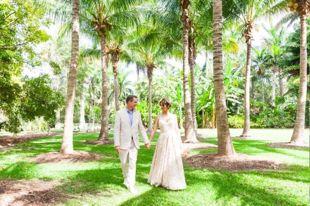 What will your wedding story be? A virtual ceremony in Paradise? A big celebration in a Tropical Oasis with all of your friends and family (when you can all get together again)? No matter what, we will help your dream come true!   Link in bio for more info. Photo cred: @smallmiamiweddings